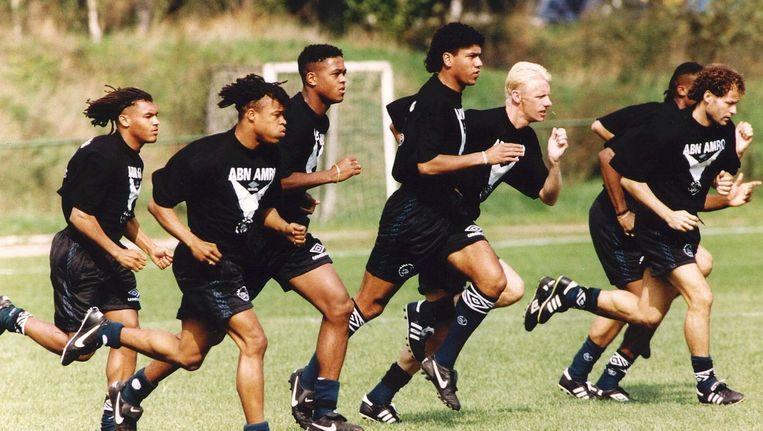 Ajax 1995. VLNR: Nordin Wooter, Edgar Davids, Patrick Kluivert, Márcio Santos, Arnold Scholten en Danny Blind Beeld ANP