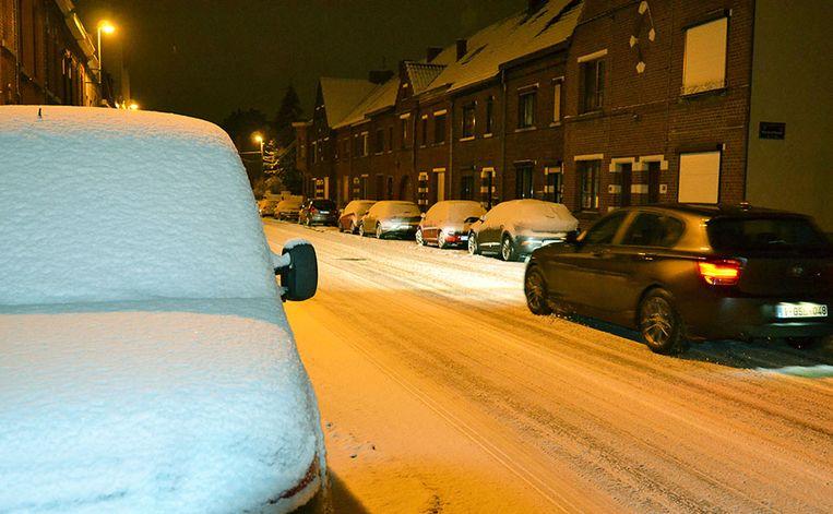 """Een pak sneeuw in uw straat? """"In de meeste regio's zal er tussen de 5 en 10 centimeter sneeuw vallen"""", waarschuwt het KMI."""