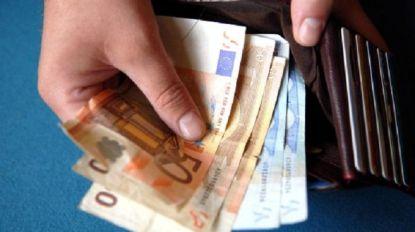 Arbeiders van Belgisch bedrijf krijgen per ongeluk 30.000 euro te veel gestort. Werkgever eist geld terug, maar sommigen hebben het al uitgegeven