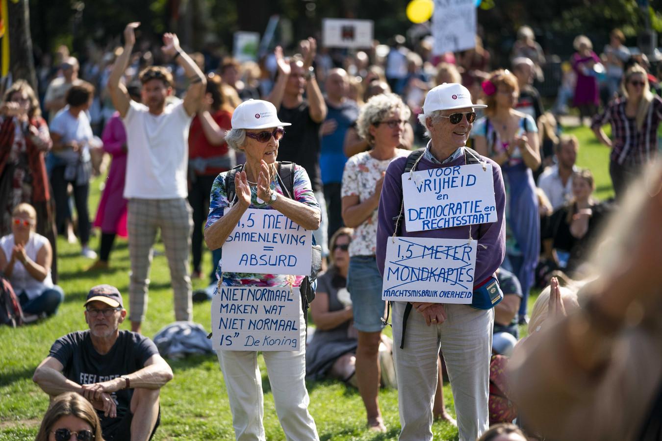 Vrouwen demonstreerden vandaag massaal tegen de spoedwet