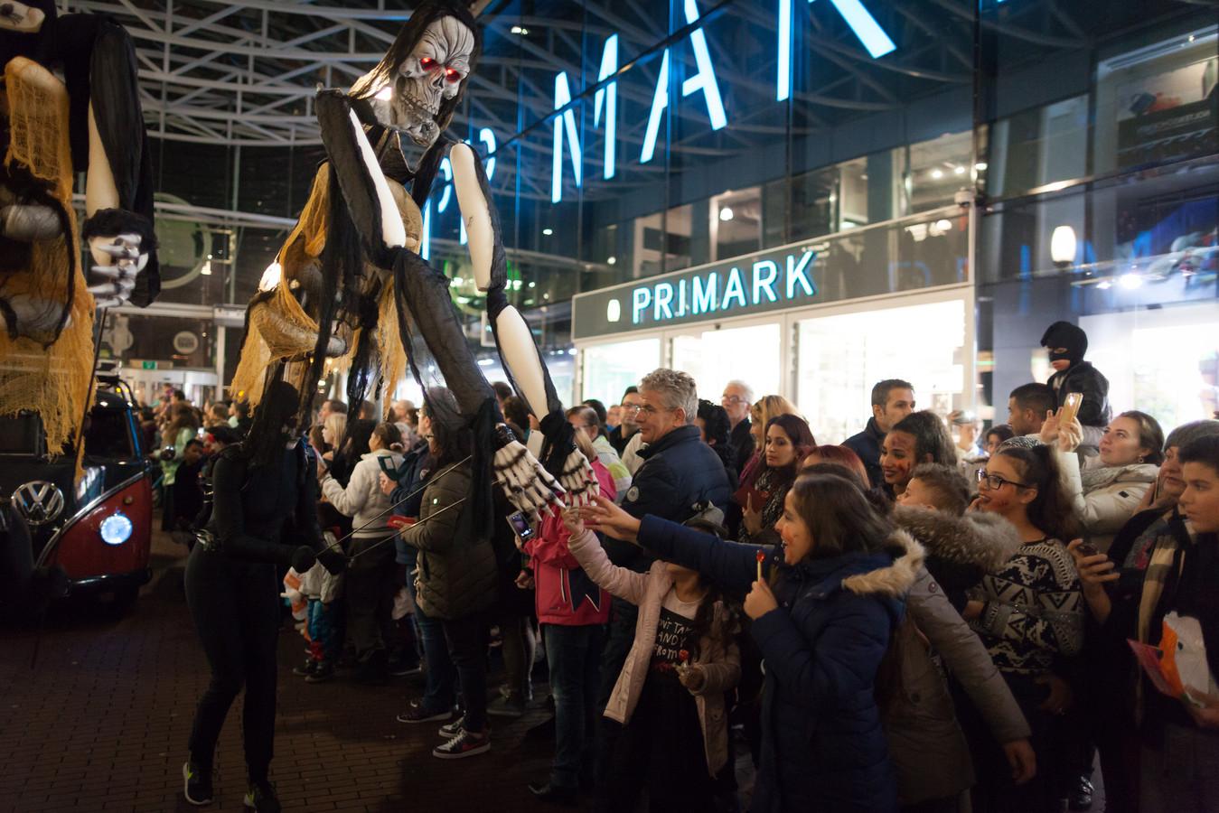 Halloween Zoetermeer.Halloween Criticus Is Mediamoe Na Petitie Tegen Feest Foto