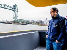 Watertaxi-schipper Kevin (26) redde een drenkeling: 'Ze waren lang met haar bezig, voor mijn gevoel té lang'