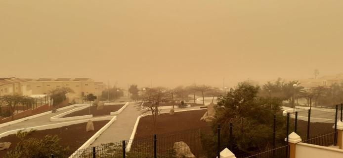 Adeje tijdens de zandstorm