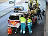 Snorfietser komt ten val op hoofdrijbaan Belcrumweg Breda