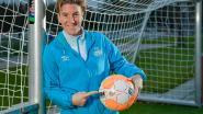 FT buitenland. Aline Zeler coacht volgend seizoen beloftendames PSV - Messi onzeker voor Clasico - Nederlandse voetbalbond wil VAR-beelden in stadion laten zien
