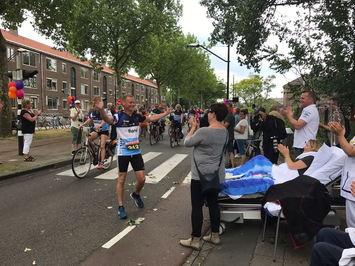 Team Friesland komt langs de Daniel den Hoedkliniek.