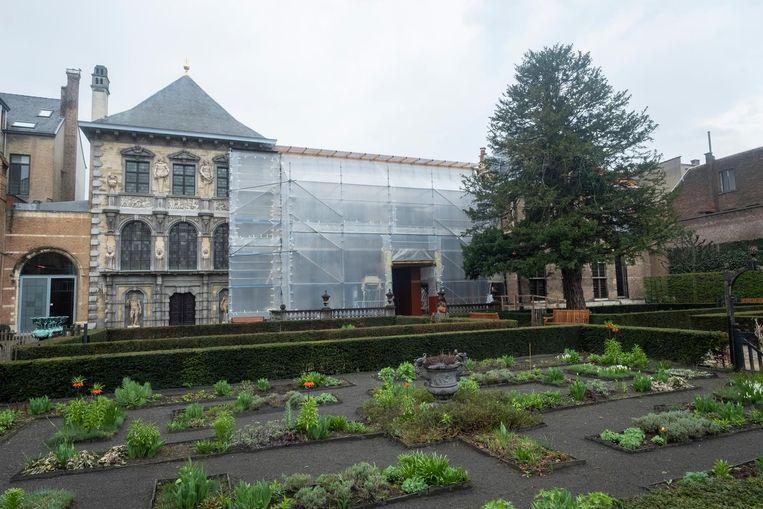 Het portiek van het Rubenshuis krijgt een opknapbeurt.