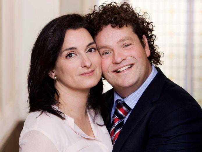 Dirk Zeelenberg (David) en Tamar (Carly Wijs).