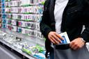 Winkeliers lijden enorm veel verlies door diefstallen.