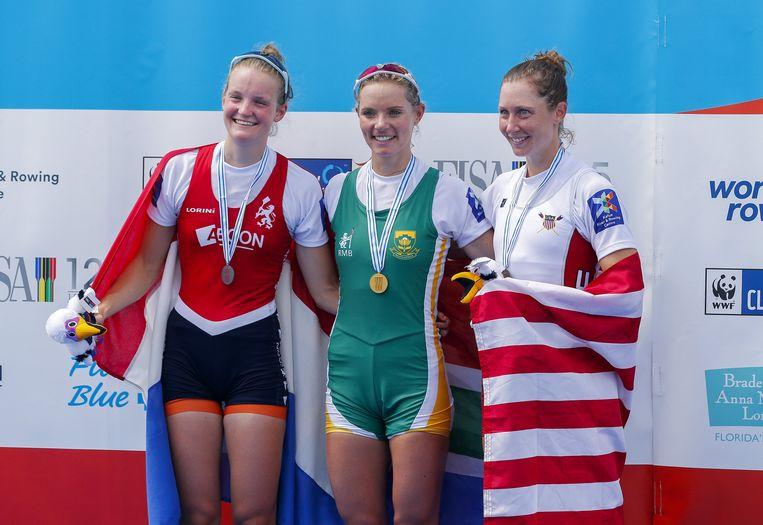 Marieke Keijser (links) naast Kirsten McCann en Mary Jones. Beeld epa