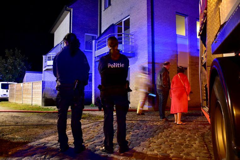 Vier bewoners konden het gebouw tijdig verlaten, dankzij de rookmelders.