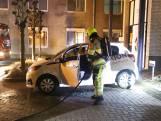 Auto uitgebrand in Tiel, bij auto verderop ruit ingetikt