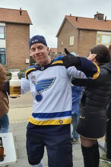 Millings carnaval scoort in het Amerikaanse St. Louis dankzij een Friese ijshockeyfan. Hoe kan dat?