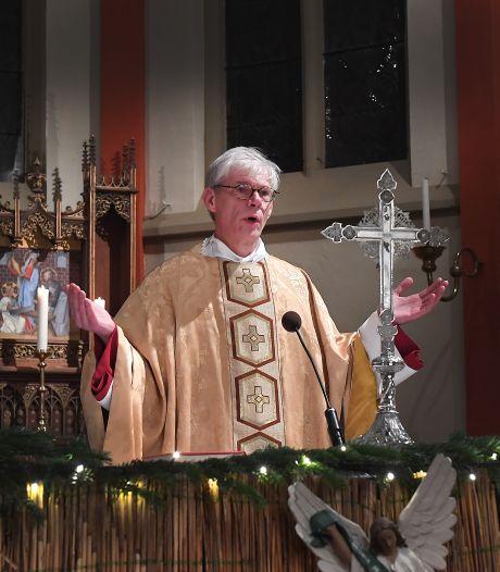 Een pastoor met een afscheidstournee, het overkomt René Aarden in Grave