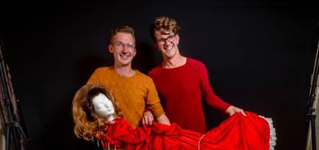 Daten met een dragqueen: Michael en Bram vertellen over hun geluk én de vooroordelen