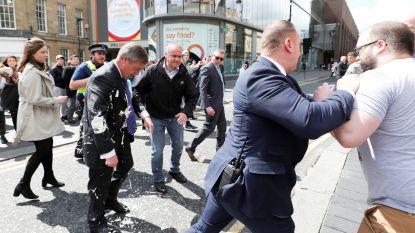 Nigel Farage bekogeld met milkshake