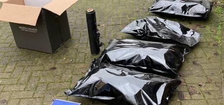 Sealbags vol hennep gevonden in garagebox Tilburg