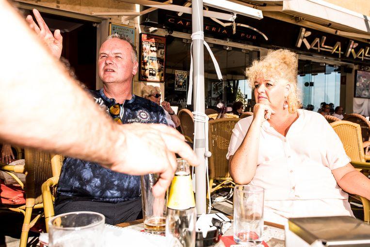 Katinka van Doren in haar geliefde vakantieoord Benidorm, ver weg van de drinkende clichétoeristen: 'Hier kan niets tegenop.' Beeld Jan Mulders