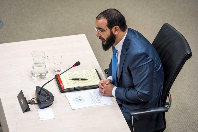 Abdelhamid Taheri, voormalig bestuursvoorzitter As-Soennah moskee, tijdens de de openbare verhoren van de parlementaire ondervragingscommissie.