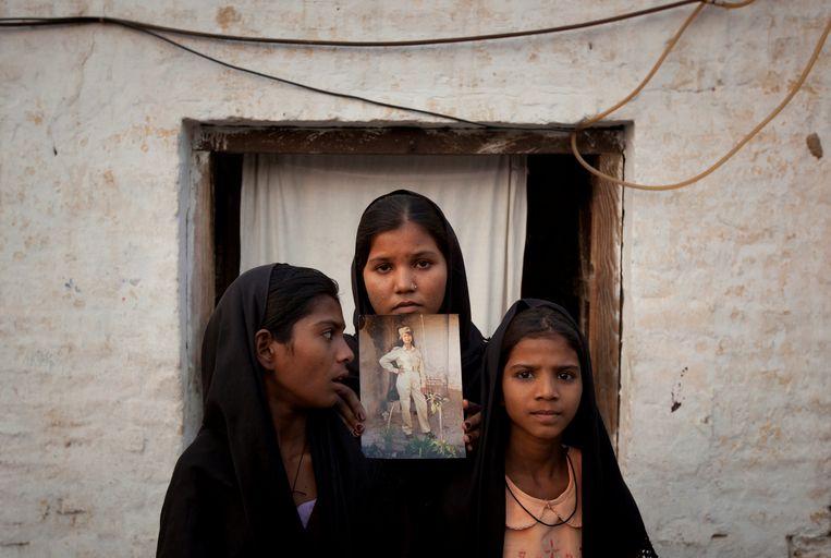 De dochters van Asia Bibi in 2010, toen de vrouw ter dood werd veroordeeld.