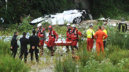 VIDEO. Hulpverleners halen slachtoffer uit puin na instorting viaduct in Genua
