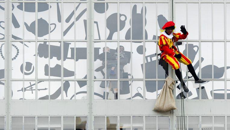© ANP. Aankomst van Sinterklaas in Dordrecht. Beeld
