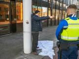 Bedreigde Arie ketent zichzelf uit wanhoop vast aan gemeentehuis Oss