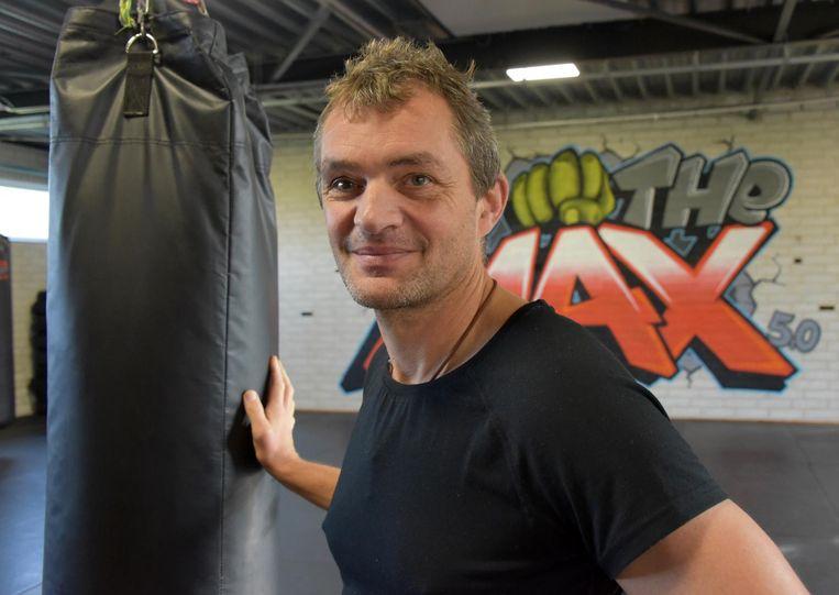 Marcs voormalige trainer Ludo Kaethoven in zijn sportclub.