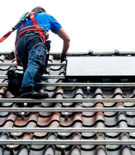 Zonnepanelen moeten van dak vakantiehuis bij Bunschoten af