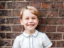 Prins George blaast vijf kaarsjes uit