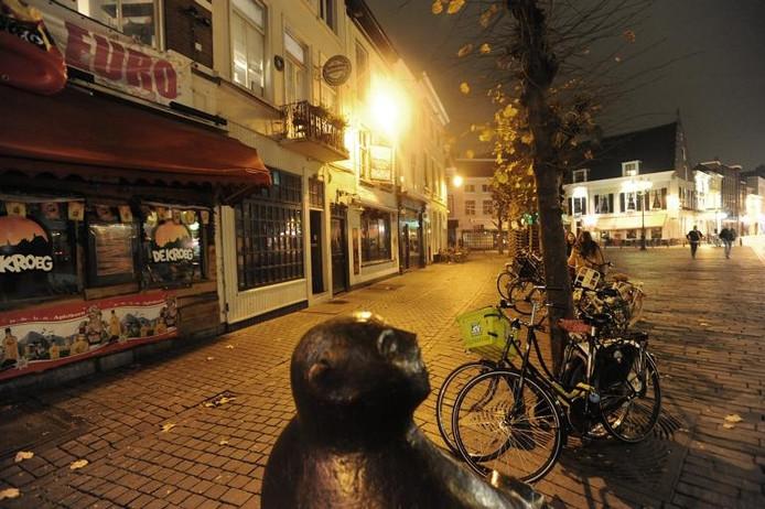 Lege straten en pleinen in het stadshart. De Havermarkt is hierop geen uitzondering.