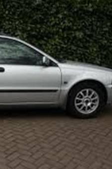 Dief steelt auto met 'wisseltruc' bij garagebedrijf in Raalte