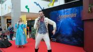Assepoester en Prins Victorian verrassen kinderen met optreden in Shopping Center