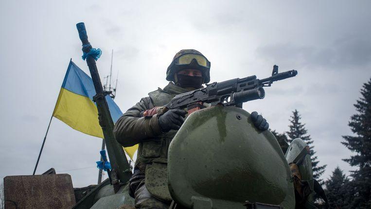 En soldaat van het Oekraïense leger nabij Donetsk Beeld afp