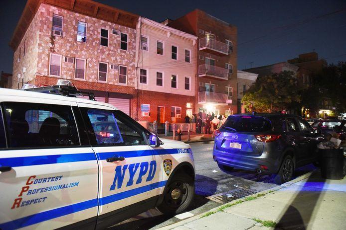 ArtEZ-Docente Linda Olthof werd, evenals haar zoontje, dood aangetroffen in een appartement in Queens New York.