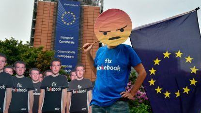 """Mark Zuckerberg aangekomen in Brussel, klaar om het boetekleed aan te trekken: """"Ik verwacht dat het Europees Parlement hem zal doen zweten"""""""