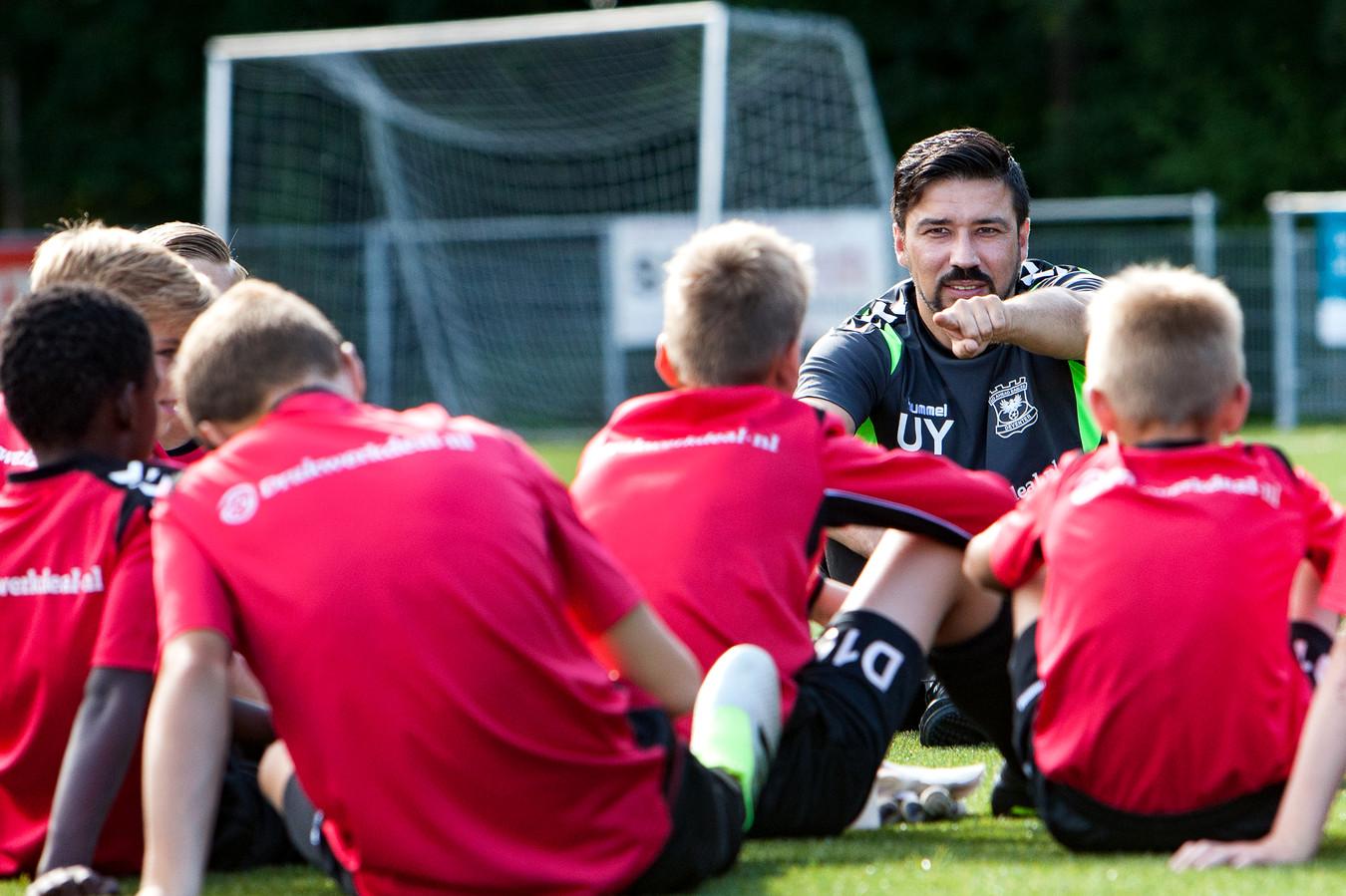 Trainer Ugur Yildirim zag zijn GA Eagles O17 met 1-0 verliezen van Zeeburgia.
