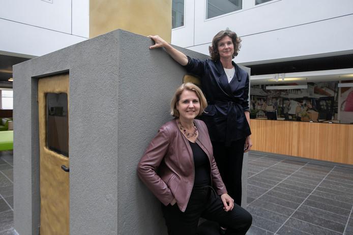 Kwartiermaakster Chris Sigaloff en de Eindhovense cultuurwethouder Monique List.