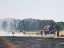 Grote brand op weiland in Soest, rook tot in de wijde omtrek te zien