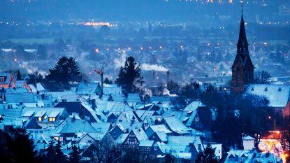 Ook onze buurlanden maken zich op voor nieuwe sneeuwlaag: tot 30 centimeter dik wit tapijt in Duitsland, KLM schrapt twintig vluchten