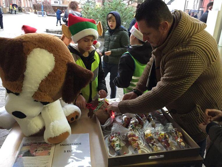 De verkoop van onder meer snoepjes bracht 2.150 euro op.