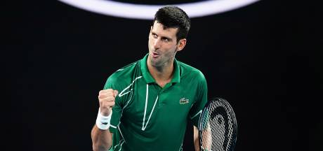 Djokovic abandonne un set mais se qualifie pour le 2e tour