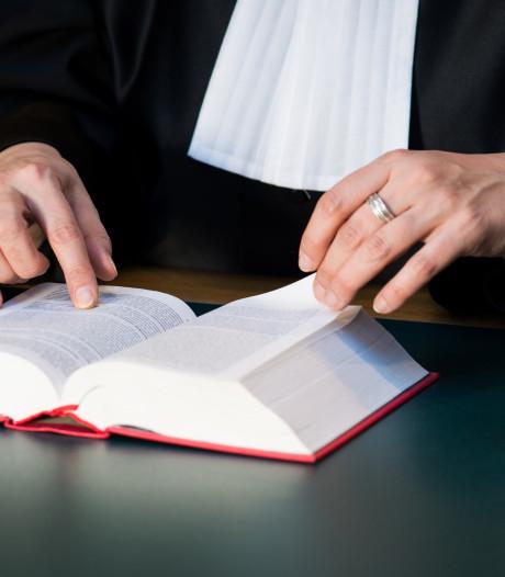 Dealende broer en zus uit Putten horen cel- en taakstraf eisen