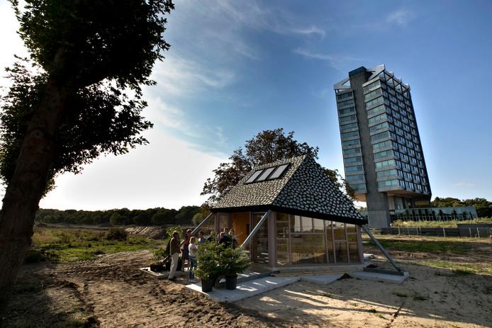 De buurtschuur op Vredeoord in Eindhoven bij de officiële start van de voorbereidende werkzaamheden.