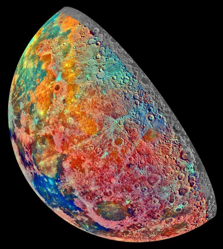Te nat om waar te zijn: in kleur het onderscheid tussen verschillende bodemsoorten op de maan Beeld NASA