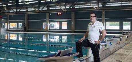 Zwemcoach Harry Delno wil droom van pupillen uit laten komen