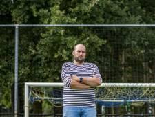 Voetbalclub Oeken kan hoofdveld nat houden door gift van 5.000 euro: 'Dit is een enorme opsteker'