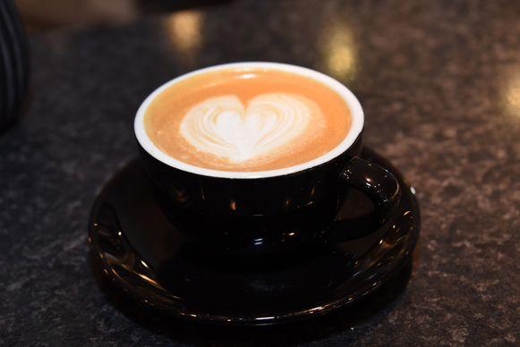Een cappuccino met een hartje.