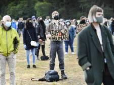 Teruglezen | Ongeveer duizend demonstranten in het Goffertpark: 'Eén belofte: Zwarte Piet gaat weg!'
