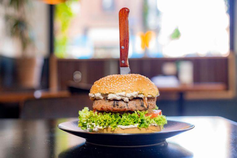 De zeewierburger van Dutch Weed Burger Joint Beeld Rink Hof